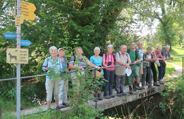 Gruppenphoto vor dem Schlussspurt zum Dessert nach Obfelden