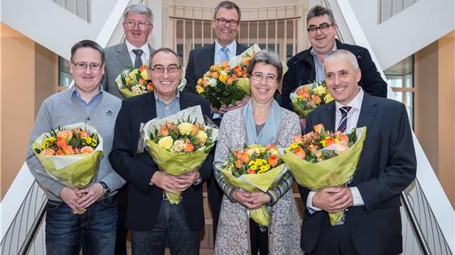 Der neue Stadtrat (v.l): Roger Bachmann (SVP), Jean-Pierre Balbiani (SVP), Rolf Schaeren (CVP), Otto Müller (FDP), Esther Tonini (SP), Roger Brunner (SVP), Heinz Illi (EVP).