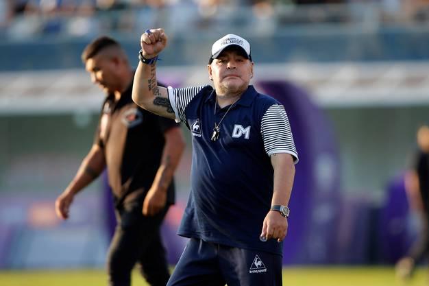 Maradona als Trainer des Klubs Gimnasia y Esgrima La Plata.  Derzeit bleibt er dem Trainingsplatz meist fern - aus Angst vor Covid-19.