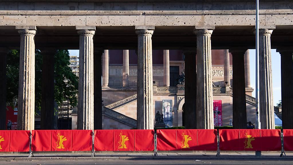 Die Sommerausgabe der Internationalen Filmfestspiele wird mit dem Film «The Mauritanian» heute eröffnet. Der Film wird im Freiluftkino auf der Museumsinsel gezeigt. Die Berlinale läuft bis 20. Juni. Foto: Paul Zinken/dpa-Zentralbild/dpa Foto: Paul Zinken/dpa-Zentralbild/dpa