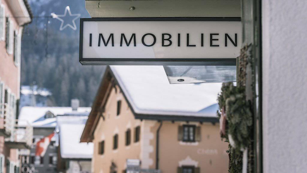 Die Gefahr einer Immobilienblase in der Schweiz hat laut UBS leicht abgenommen, doch das Risiko besteht weiter. (Themenbild)