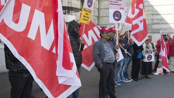 Mit Demonstrationen allein gibt sich die Unia nicht zufrieden - jetzt gelangt sie ans Gericht.