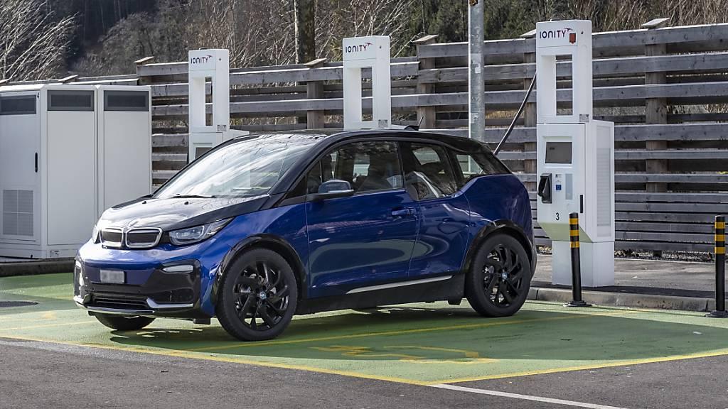 Stadt Luzern drückt bei E-Autos auf die Bremse