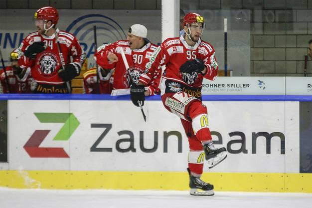 Freude über den Sieg beim EHC Winterthur.