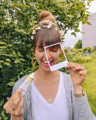 Anina, Bloggerin, Ernährung, Instagram (66 700): Die Aargauerin Anina Gepp (25), die ihn Zürich wohnt, ist Ernährungs-Spezialistin. Sie propagiert einen veganen und nachhaltigen Lebensstil und einen bewussten Konsum. Die Veganerin hat ein Multimediaproduktions- studium abgeschlossen.