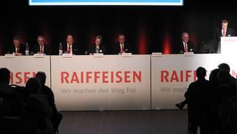 Zufriedene Gesichter an der Generalversammlung der Raiffeisenbank Böttstein: Sowohl bei der Bilanzsumme als auch bei den Ausleihungen konnte ein Wachstum verzeichnet werden. zvg