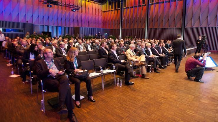 Schon zum Auftakt des KMU Swiss Forums hat sich die Trafohalle in Baden  fast gefüllt