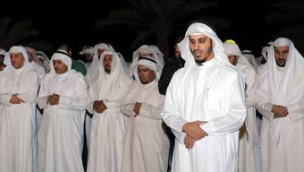Kuwaitische Oppositionelle beten in der Hauptstadt