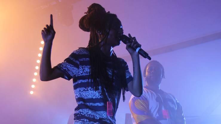 """Die Walliser Sängerin """"KT Gorique"""" gehörte zu den Highlights des Festivals und heizte der Menge ordentlich ein."""
