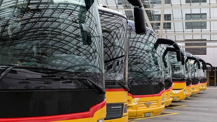 Fast eine Million mehr Fahrgäste als im Vorjahr haben die Postautos 2018 befördert.