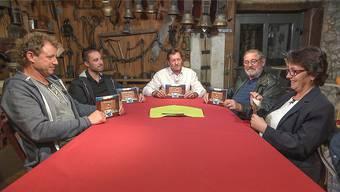 Daniel Wiedmer, Maurice Mura, Angelo Borer, Anton Thüring und Eveline Meier (v.l.) stellen dem Schweizer Fernsehpublikum ihre Wohngemeinden vor.