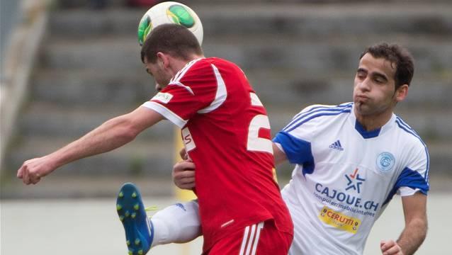 Armin Ibraimi (hier im Kampf gegen Sursees Labinot) ist einer der Verbliebenen beim FC Grenchen.