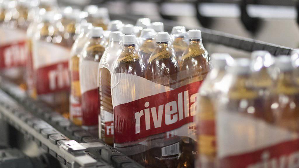 Rivella ist im letzten Jahr gewachsen. In der Schweiz stiegen die Verkäufe um 1,2 Prozent. Deutlich schneller war das Wachstum im Ausland mit 13,8 Prozent. (Archiv)