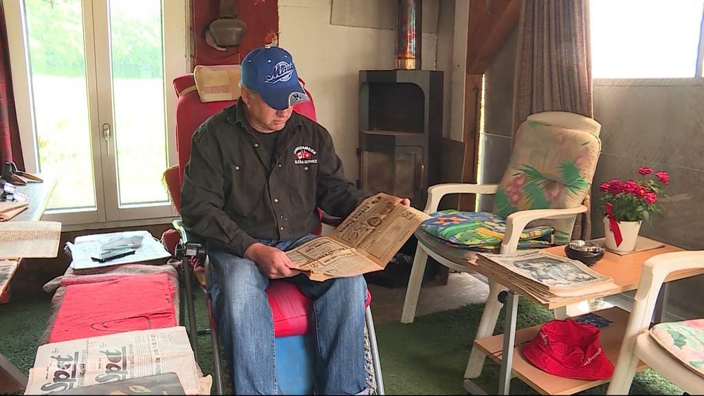Sammler ergattert historische Zeitungen in abgerissenem Haus