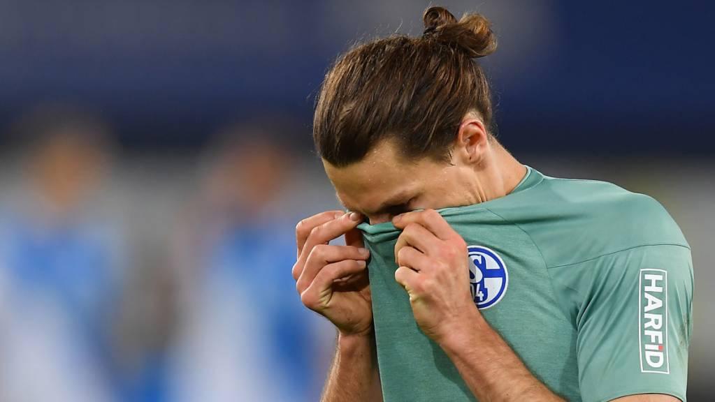 Das Wunder blieb für Schalke und Benjamin Stambouli aus: Der Verein spielt in der nächsten Saison in der 2. Bundesliga