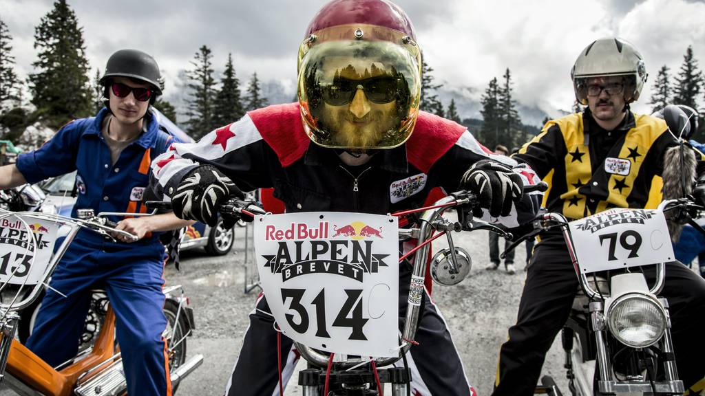 Red Bull Alpenbrevet: Über 1'600 Töfflis unterwegs