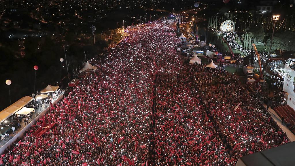 Türkei gedenkt Putschversuch 2016 – Opposition will Aufklärung