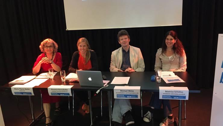 Die Gegner der Abschaffung von Privatschulbeiträgen geben sich siegessicher: Marie-Theres Beeler, Florence Brenzikofer, Michael Weiss und Béatrice Scholtes (von links).