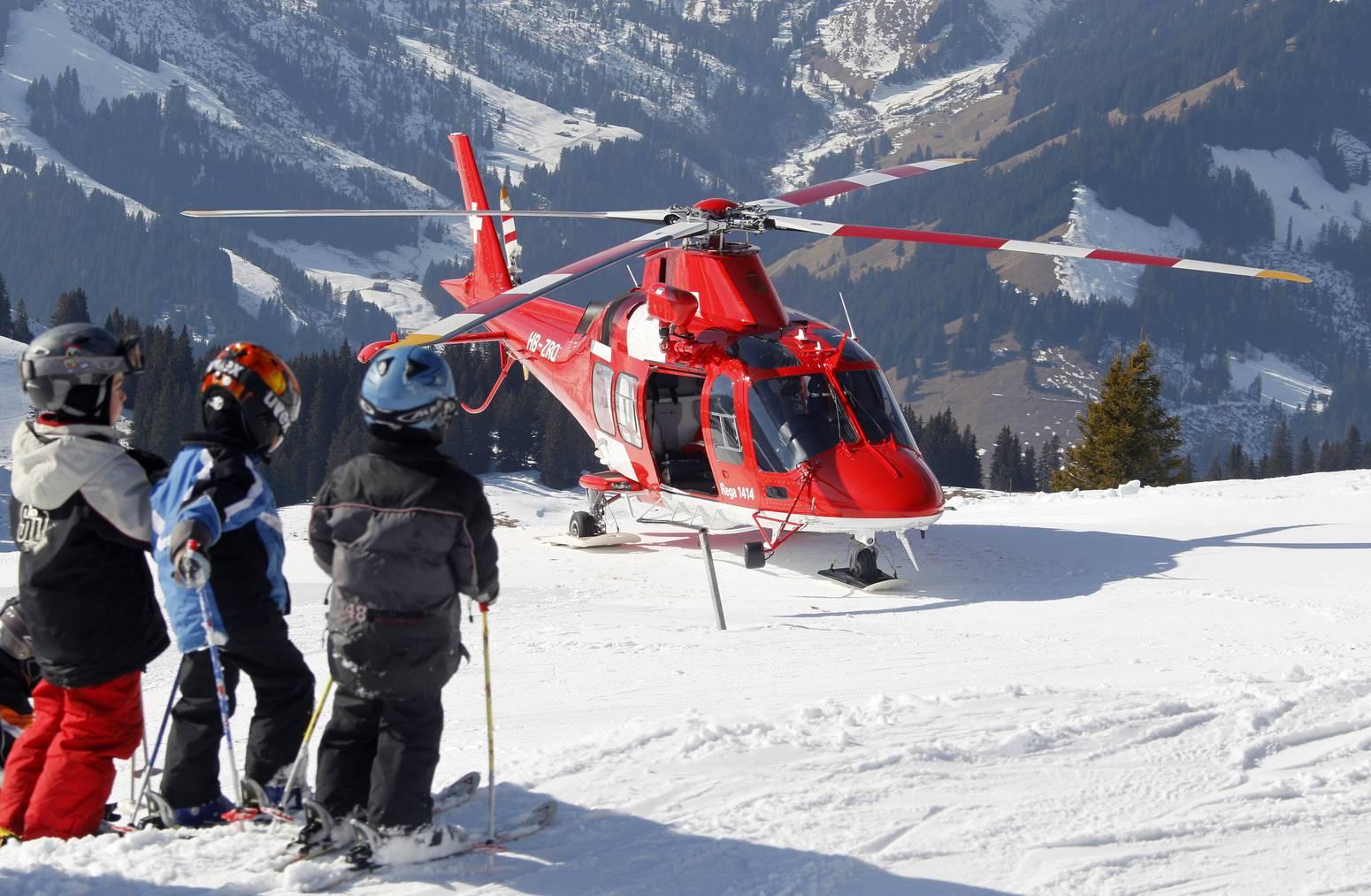 Bei mehr als der Hälfte der Einsätze rückte die Rega wegen verunfallter Wintersportler aus. Daneben waren Krankheiten die häufigste Alarmierungsursache. (Bild: Rega)