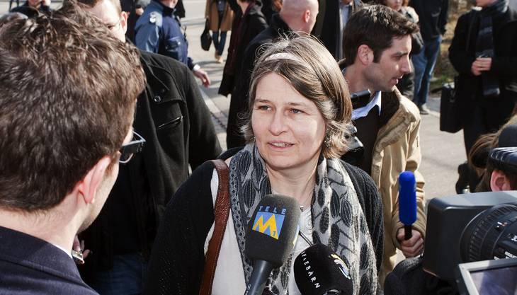 Nicole Trezzini gibt den Medienvertretern Auskunft