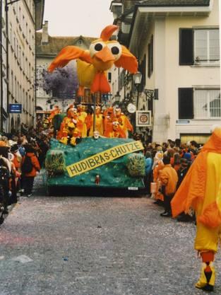 2001 imponierte die Wagnebauzunft mit ihrem rieisgen Moorhuhn