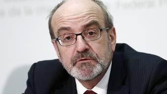 Fritz Schiesser, Präsident des ETH-Rats, sieht grössere Probleme für die Hochschulen, falls die SVP-Zuwanderungsinitiative mit einem strikten Kontingentssystem umgesetzt würde (Archiv)