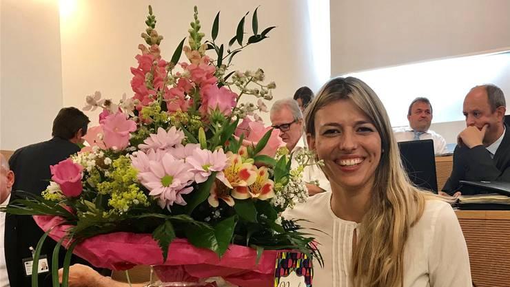 «Danke für die wunderbaren Blumen – von wunderbaren Menschen!», freut sich Karin Bertschi auf Twitter über den Strauss, den sie gestern erhalten hat.