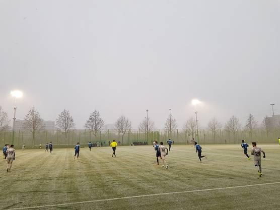 Testspiel FC Zürich FC Aarau - zweite Halbzeit im  Schneetreiben (3)