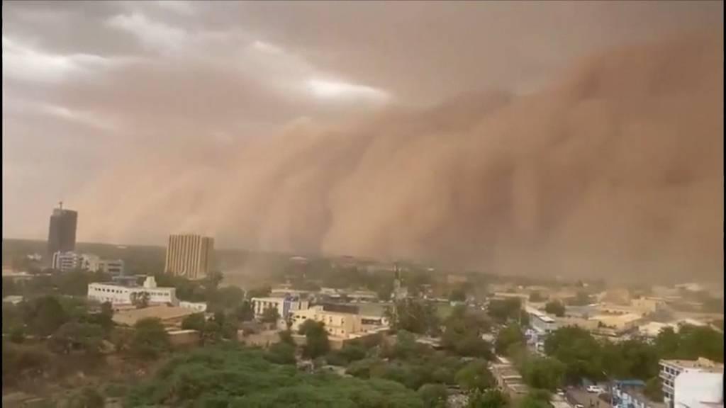 Dramatisch: Gewaltiger Sandsturm überrollt Nigers Hauptstadt
