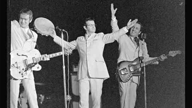 An der Hazy Osterwald Show 68, rechts flankiert von Sunny Lang. Am 11.Februar 1968 aufgenommen von Hans Bertolf. Staatsarchiv Basel