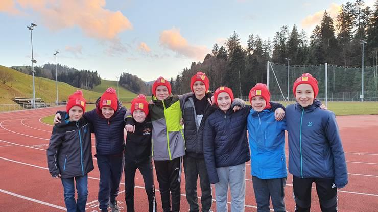 Acht Urdorfer Sechstklässler haben an den Halbfinals des nationalen Schüler-Eishockeyturniers Postfinance-Trophy teilgenommen.