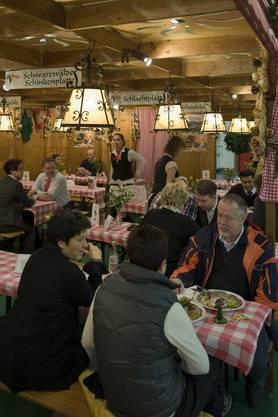 Schwarzwaldspezialitäten locken die Gäste an