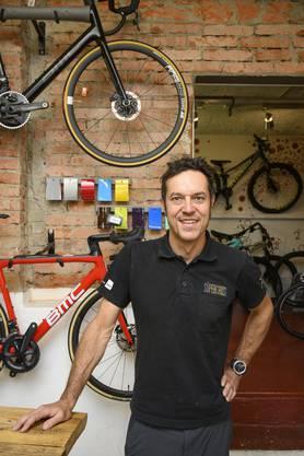 Marco Wieser betreibt im Quartier seine «Bike Zone»: Der Standort ist für ihn in vielerlei Hinsicht optimal.