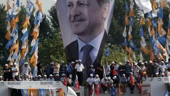 Hunderttausende jubeln Erdogan zu