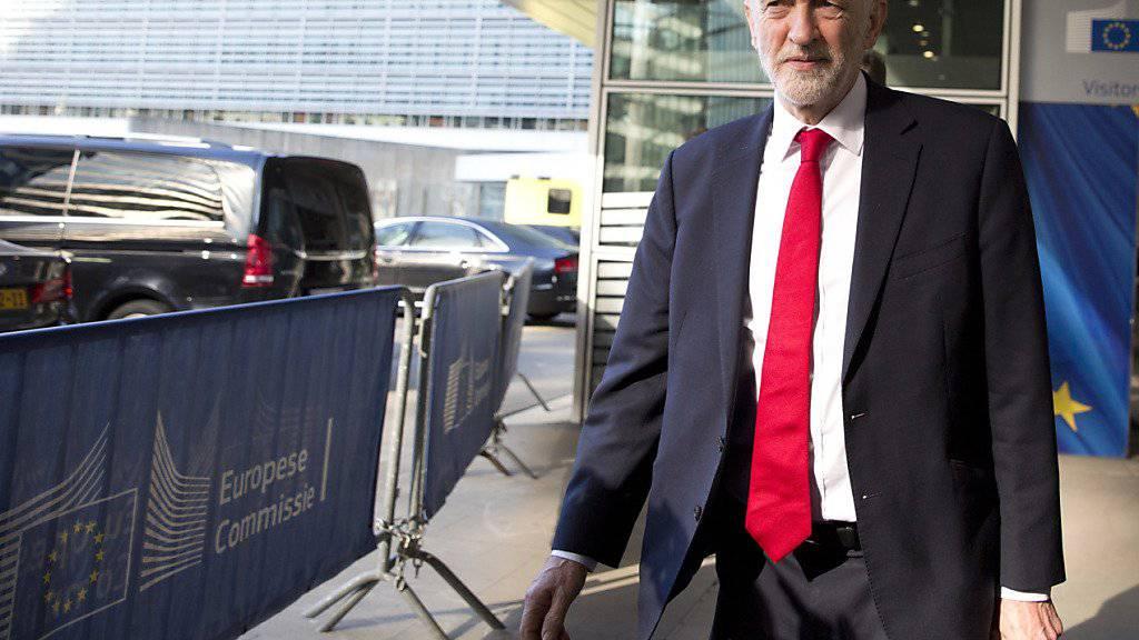 Der britische Oppositionsführer Jeremy Corbyn befürchtet einen No-Deal-Austritt Grossbritanniens aus der EU. (AP Photo/Virginia Mayo)
