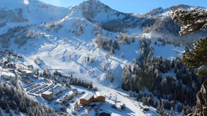 Das Jufa Hotel Malbun liegt mitten im Skigebiet und bietet alles, was sich Wintersportgäste wünschen.