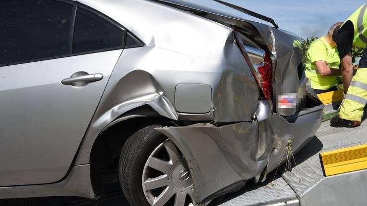 Die beiden Insassen wurden beim Unfall schwer verletzt.
