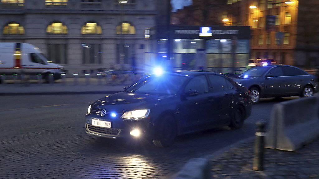 Die Angeklagten im Prozess um den Angriff auf das Jüdische Museum in Belgien im Mai 2014 werden am Donnerstag zum Brüsseler Schwurgericht gefahren.