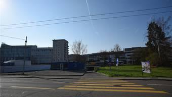 Wo heute der Kiesplatz ist, soll dereinst ein Stadtsaal entstehen.
