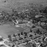 Auf dieser Aufnahme aus dem Jahr 1964 ist der Kamin der ehemaligen «Kentucky» noch zu sehen.ETH-Bibliothek Zürich, Bildarchiv