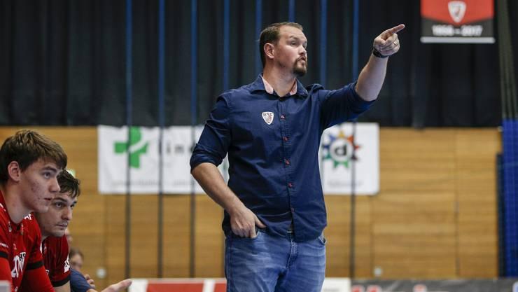HSC-Trainer Micha Kaufmann gibt Anweisungen.