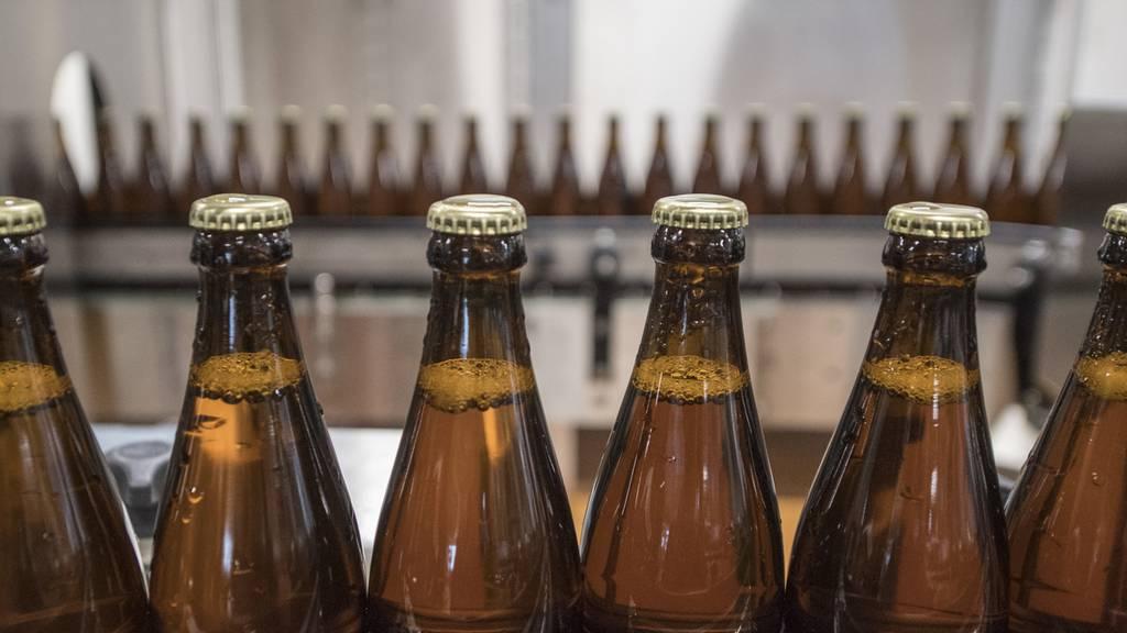 Schweizer trinken pro Woche mehr als vier Bier