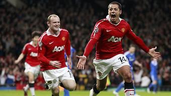 Javier Hernandez (r.) erzielte vor dem Pausenpfiff das 1:0 für ManU