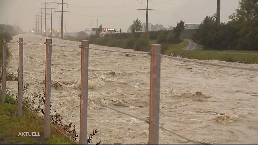 Unwetteralarm: Flüsse werden zur reissenden Gefahr