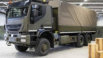 Mit dem Ja zur Armeebotschaft hat das Parlament unter anderem den Kauf von neuen Lastwagen zugestimmt. (Archivbild)