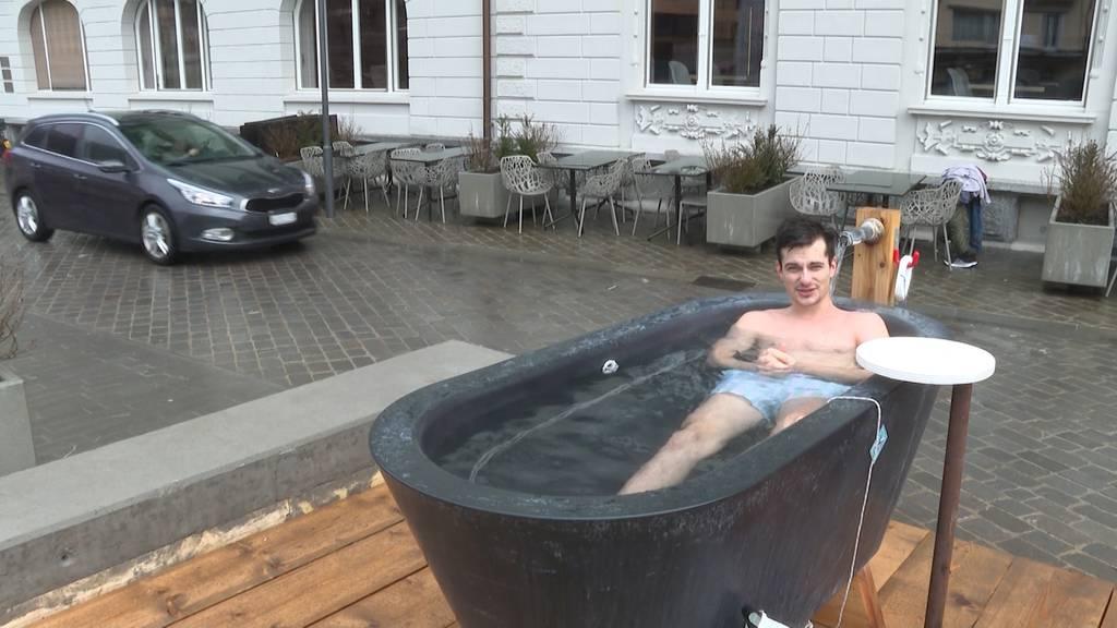 Öffentliche Badewannen erfreuen sich grosser Beliebtheit