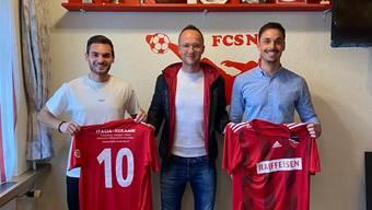 FCSN-Sportchef Marko Pranjic mit den Zuzügen Fabio Lo Priore (links) und Samuel Huber (rechts).