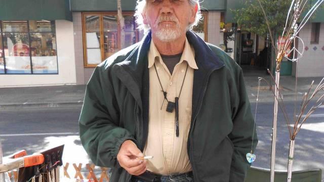 Robert verkauft an der Telegraph Avenue Schmuck. / Benjamin Weinmann