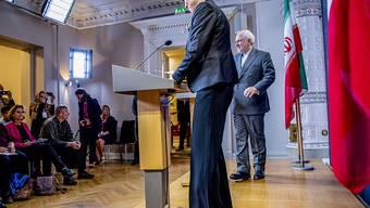 Irans Aussenminister Mohammed Dschawad Sarif und seine norwegische Amtskollegin Ine Eriksen Soereide bei einer Pressekonferenz in Oslo am Donnerstag. (Archivbild)