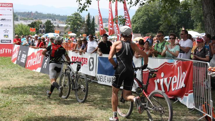 Für die Biker aus den 2-er und 5-er Teams haben die Strapazen in Lenzburg ein Ende